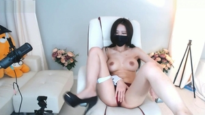 Beautiful korean girl finds pleasure in nailed rough in HD