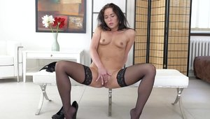Sweet MILF Niki Sweet does what shes told