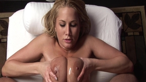 Young Alanah Rae loves masturbation