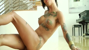 Big ass babe Bonnie Rotten agrees to hard pounding