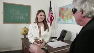 Wet stepmom Brooklyn Chase finds pleasure in hard ramming