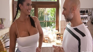 Blowjobs in the kitchen between very sexy brunette Chloe Amour