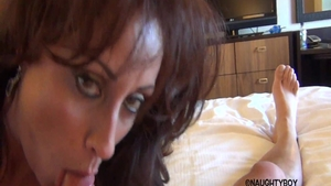 Blowjobs in hotel with big boobs babe Eva Notty