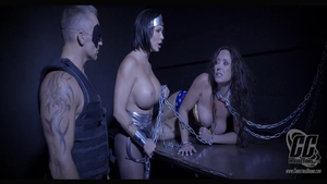 Big boobs MILF Summer Day has a thing for BDSM