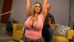 Big tits BBW got nailed in HD