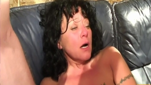 Sexy mature goes in for fucking