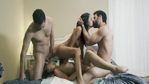 Jaye Summers have sex with big dick husband