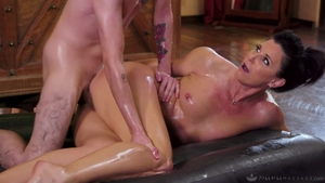 Massage Muslim India Summer