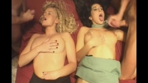 Very hawt girl erotic foursome pussy eating in HD