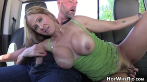 Cumshot outdoors along with big tits stepmom Hot Wife Rio