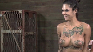Inked MILF Bonnie Rotten wants squirt HD