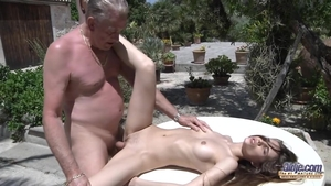 Tight amateur raw creampied outdoors