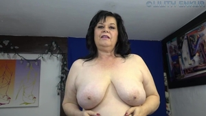 Solo chubby female stroking