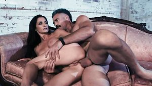 Sucking cock with acrobatic brunette Silvia Saige