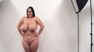 Czech fat amateur pussy eating solo