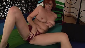 Fingering in the company of stepmom