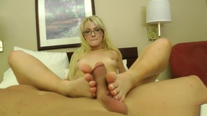 Teen Zoey Paige likes pussy fucking